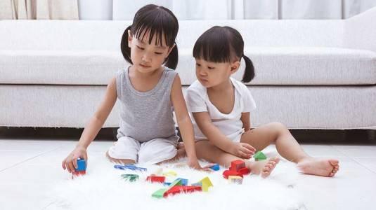 Mendorong Anak agar Memiliki Pola Imajinasi yang Baik