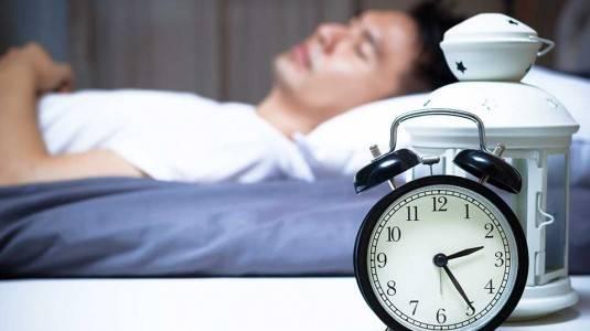 Kebiasaan Tidur yang Buruk Menurunkan Jumlah Sperma