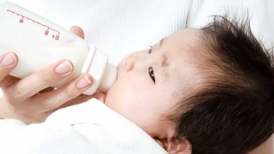 Review: Philips Avent Natural, Botol Susu Anti Kolik untuk si Kecil