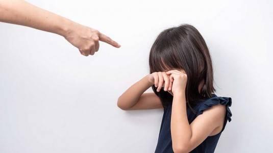 Jangan Memarahi Anak di Depan Umum