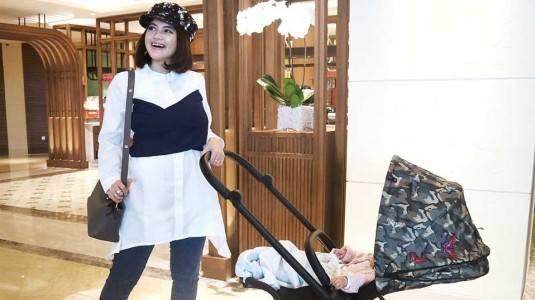 Kapan Bayi Baru Lahir Boleh Keluar Rumah?