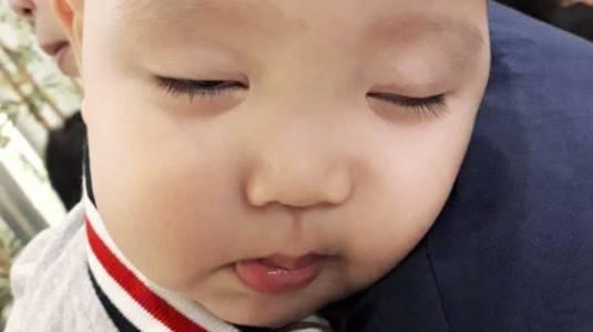 Merubah Kebiasaan Tidur Digendong pada Bayi