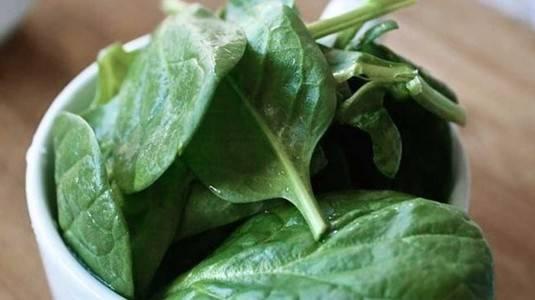 Kandungan Vitamin B6 pada Sayur Bayam sebagai Pelancar ASI