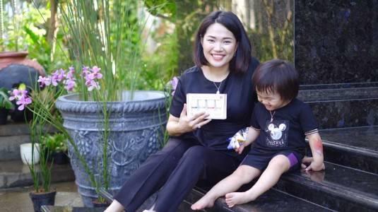Skin & Hair Care untuk Moms dengan kulit Sensitif by Naïf