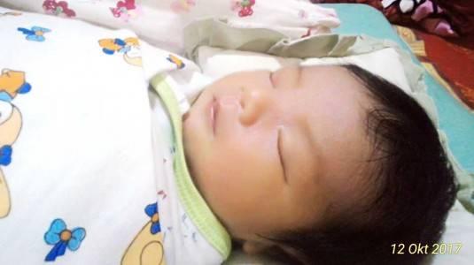 Bayi Menangis Tanpa Sebab / Kolik? Coba Lakukan Tips Ini!