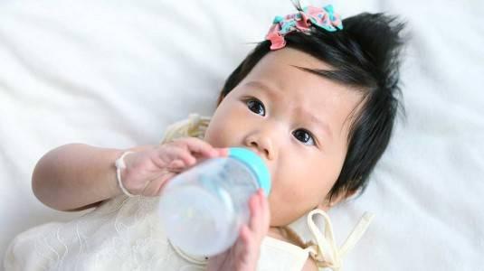 Minum dari Botol Belum Tentu Mengakibatkan Bingung Puting