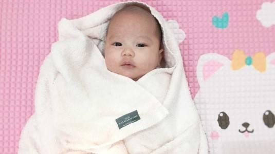 Review Little Palmerhaus Mason Baby Towel