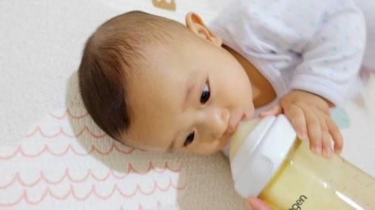 Takaran Minum ASI Pada Bayi