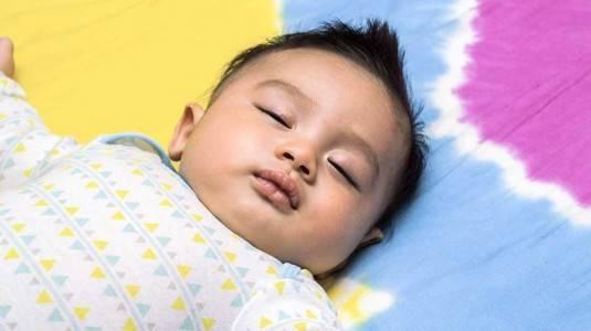 Bagaimana Cara Mom Melissa Melakukan Sleep Training pada si Kecil?