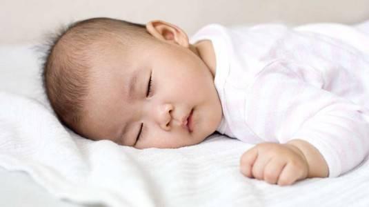Buds Calming Rub Cream Bikin Perut Bayi Nyaman, Tidurpun Nyenyak