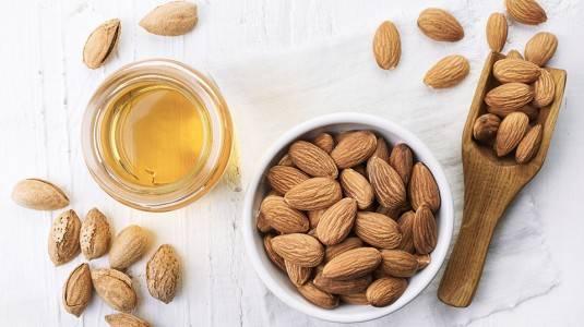 Almond Oil & Macamadia Seed Oil: Bahan Skincare Alami Bagi Bumil dan Busui