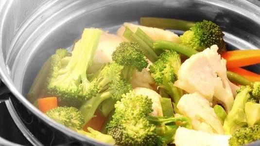Konsumsi Sayuran Kukus supaya Nutrisi Tetap Lengkap & Terjaga