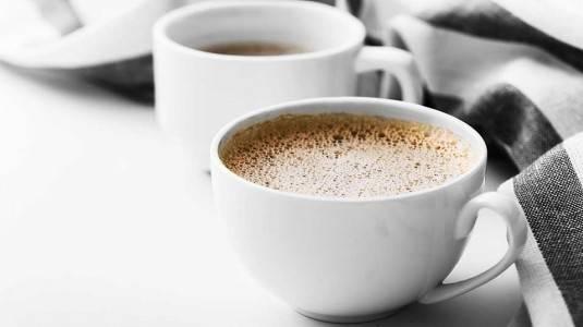 Tips Mengurangi Kafein Saat Hamil