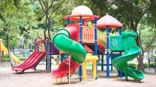 Manfaat Bermain Perosotan untuk Anak