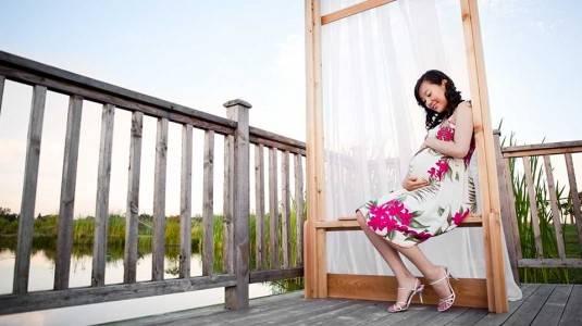 Tips Agar Tetap Bahagia Selama Masa Kehamilan