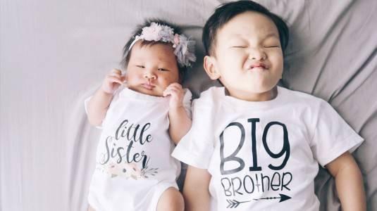 Tips Agar Anak Pertama Sayang dengan Adik Barunya
