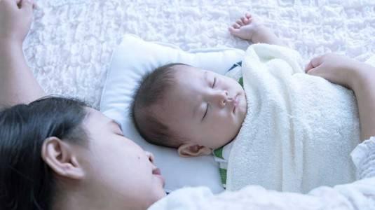 Memilih Bantal yang Cocok untuk Bayi