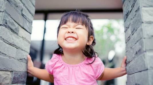 Tips Menjaga Kesehatan Gigi si Kecil