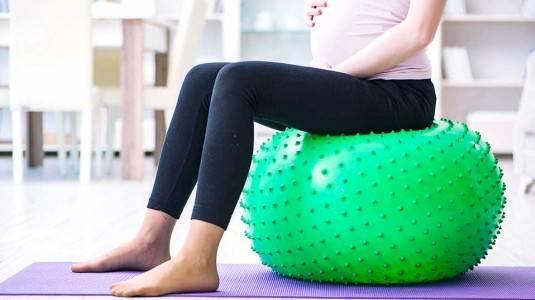 5 Tips Olahraga untuk Ibu Hamil yang Berpuasa