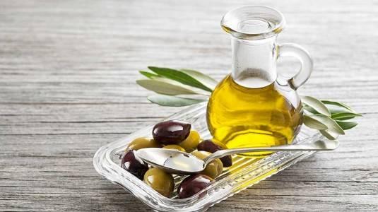 Minyak Zaitun Obat Alami Solusi Mudah Biang Keringat