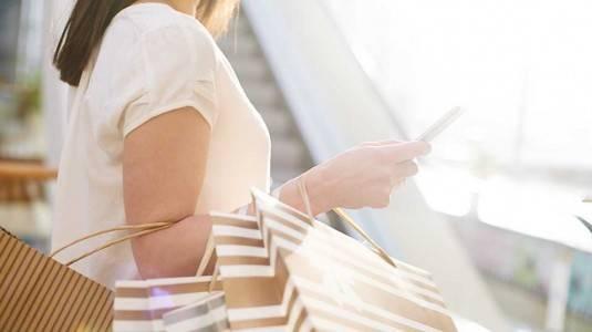 Tips Menghemat Belanja Barang Branded ala Mom Millenial