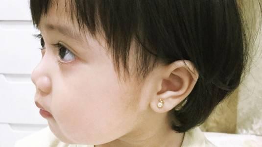 Anting Anak Sering Lepas dan Takut Hilang? Ini Solusinya!