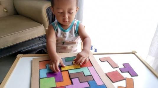 Ide Bermain untuk si Kecil: Cardboard Tetris Puzzle