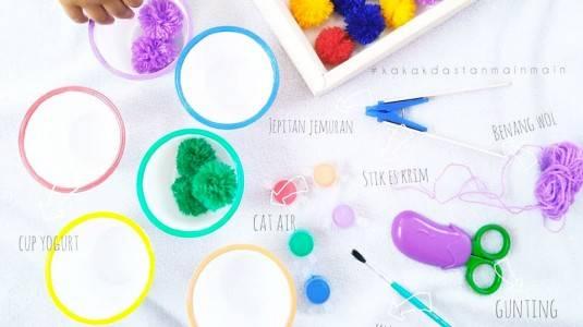Ide Bermain Anak - DIY Pom Pom Color Matching