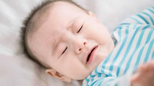 Penanganan Sembelit pada Bayi yang Mulai MPASI