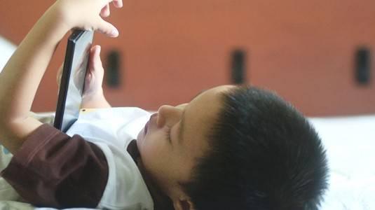 Pro Kontra Gadget bagi si Kecil