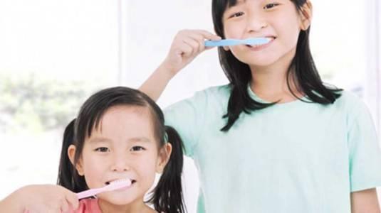 Tips Mengajarkan Sikat Gigi Pada Anak