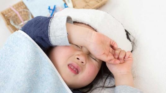 Pilih Pakaian yang Tepat Saat Anak Demam