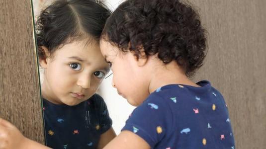 8 Tips Populer Menstimulasi Kemampuan Sensorik Bayi dan Anak-Anak