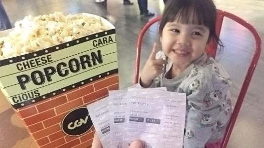 Pengalaman Pertama Mengajak Anak Ke Bioskop