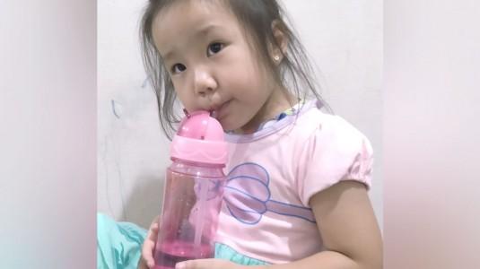 Mengatasi Anak Susah Minum Air Putih