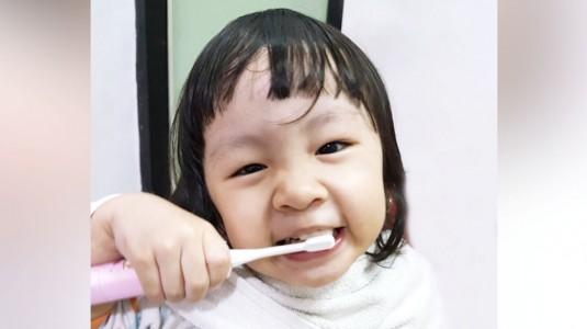 Pentingnya Mengajarkan Sikat Gigi