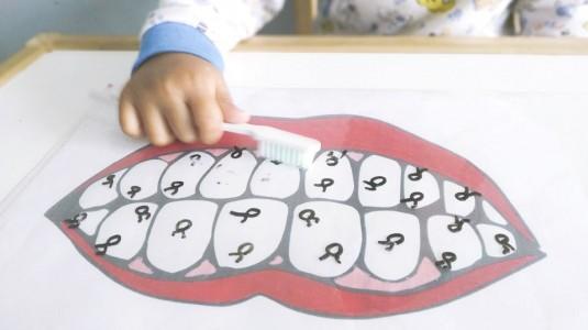 Ide Bermain untuk si Kecil: Brush Your Teeth