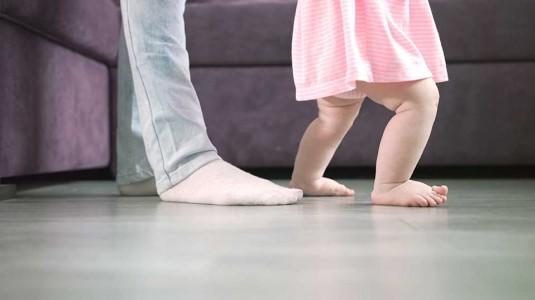 Caraku Mengajarkan Anak untuk Berjalan