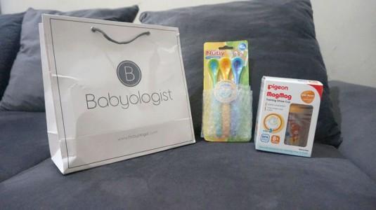 Melatih Kemampuan Oromotorik dengan Strawcup dan Sendok Plastik dari Babyologist