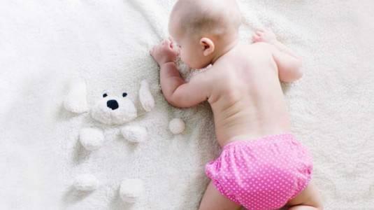 Kenapa Bayi Sering Berkeringat?