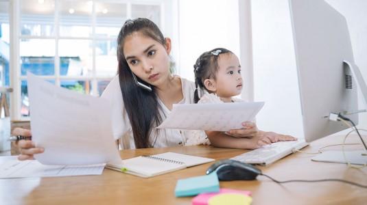 Dear Working Moms, Tetap Jaga Kewarasan Ya...