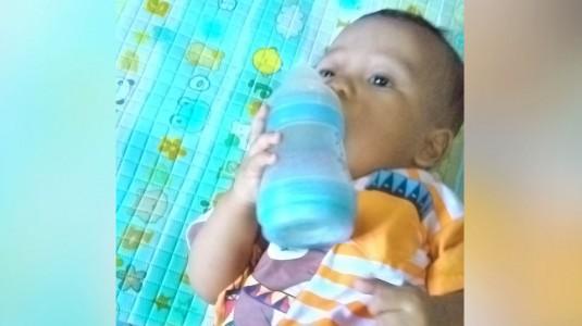 Rutin Ganti Botol Susu si Kecil Ya Moms