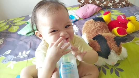 Mau Kualitas ASIP Terjaga? Botol Susu Anti Kolik Solusinya!