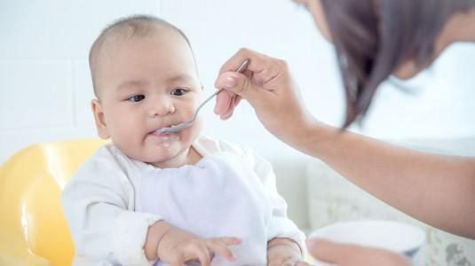 Responsive Feeding MPASI: Apa dan Bagaimana Caranya?