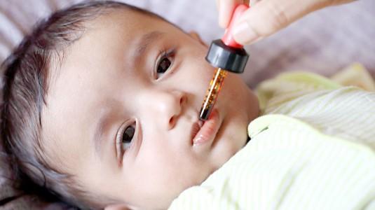 Tips Memberikan Obat pada Bayi