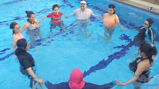 Aquanatal Yoga untuk Bumil, Super Fun!