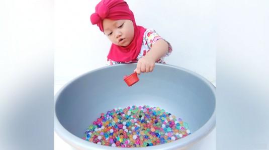 Bermain Water Beads: Cara Jitu agar Anak Anteng Main di Rumah
