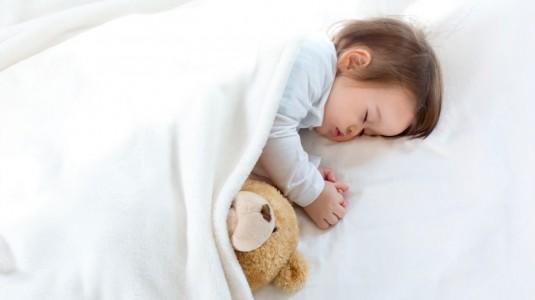 White Noise Membantu Newborn Tidur Lebih Nyenyak
