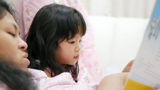 Mendongeng untuk Perkembangan Anak