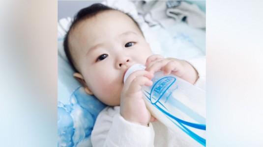 Pengalaman Memakai Botol Susu Anti Kolik